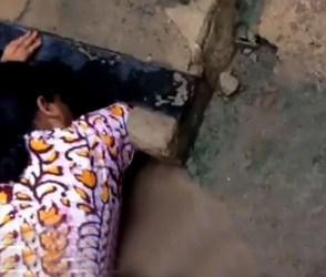 Video: ગટરમાંથી અવાજ આવતા ગીતાબેન દોડ્યા, ને પછી જે બહાર કાઢ્યું તે જોઇ કંપારી છૂટશે