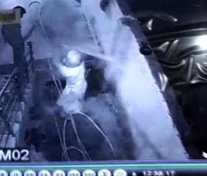 મંદિરમાં ચોરી કરતો ચોર, પુજારીએ ભગાડ્યો ઉભી પુછડીએ જુઓ Video