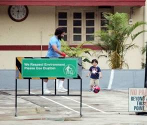 Photos: પપ્પા સૈફ અલી ખાન સાથે ક્યૂટ અંદાજમાં ફૂટબૉલ રમતો જોવા મળ્યો તૈમુર