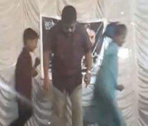 Video 'Muqabla' ગીત પર એવા નાંચ્યા અંકલ, સ્ટેજ છોડીને બાળકો ભાગ્યા