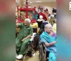 નવરાત્રીમાં વડીલોએ કર્યા વ્હીલચેર પર ગરબા, Video