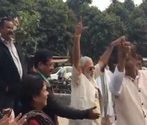 કોંગ્રેસની જીત પર દિલ ખોલીને નાચ્યા 'મોદી', જુઓ Video
