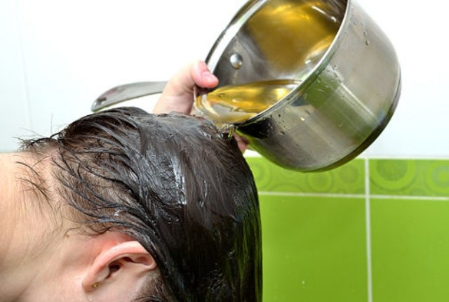 Beauty Benefits Of Tea leaves water For Long, shine and growth hair