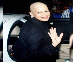 Photos: મુંબઈ પરત ફરી અભિનેત્રી સોનાલી બેન્દ્રે, એરપોર્ટ પર પતિ ગોલ્ડી બહેલ સાથે આવી નજરે