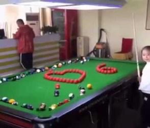 ચીનની આ નાનકડી છોકરીને સ્નૂકર રમતા જોઇ મોમાં આંગળા નાખી દેશો, જુઓ વીડિયો