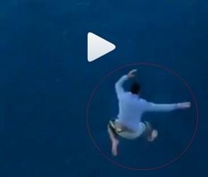 જહાજની 30 મીટરની ઊંચાઇએથી યુવકે દરિયામાં લગાવી છલાંગ, સ્તબ્ધ કરી દેશે આ વિડીયો