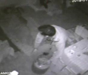 47 સેકેન્ડમાં ખેલાયો ખૂની ખેલ, 4 વાર માથામાં બાટલો પછાડી કરાઇ હત્યા, જુઓ Video
