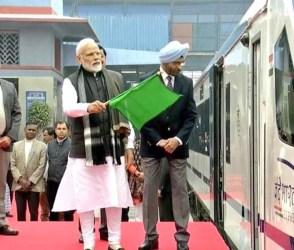 'વંદે ભારત' એક્સપ્રેસને લીલી ઝંડી, જુઓ શું છે ખાસ આ દેશી ટ્રેનમાં