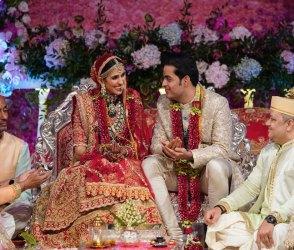 આકાશ અંબાણી-શ્લોકાના શાહી લગ્નનો Video આલ્બમ: જયમાળા, સિંદૂર વિધિ થી લઇ સાત ફેરાની વિધિ