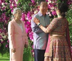 Photos: આકાશ શ્લોકાના લગ્નમાં આ વિદેશી મહેમાનો ખુબજ સાદા કપડામા નજરે ચડ્યા