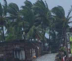 સોમનાથમાં 'વાયુ'નો કહેર શરૂ, ધૂળની ડમરીવાળો Video જોઇ થઇ જશો અવાક