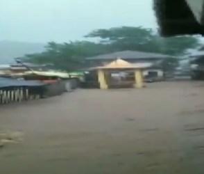 VIDEO: ત્રંબકેશ્વર મંદિરમાં ઘુસ્યાં પાણી, નાશિક જિલ્લામાં સાંબેલાધાર વરસાદ સાથે પૂર