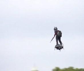 ઉડતા સૈનિક સાથે જવાનોની પરેડ, VIDEO જોઈ તમે એકવાર તાળીઓ જરૂર પાડશો