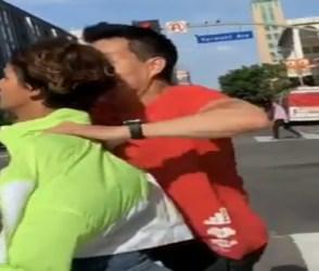 Video : રસ્તા પરથી જઇ રહી હતી આ અભિનેત્રી, રસ્તે જઇ રહેલા વ્યક્તિએ પકડીને કર્યું કંઇક એવુ કે…