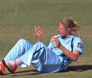 VIDEO: ખેલાડીએ એવો શોટ માર્યો કે બોલરની આંગળીઓ ભાંગી નાખી, હાથ આડે ના નાખ્યો હોત તો જીવ…