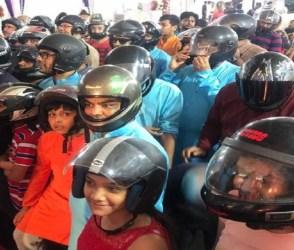 ગુજરાતમાં ટ્રાફિકના નિયમોનો આટલો બધો ડર! ગણપતિ પંડાલમાં પણ ફફડાટ, જુઓ Video