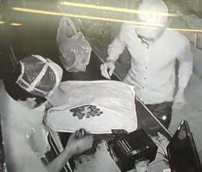 સુરતમાં ચોરી કર્યા બાદ ચોરો કરવા લાગ્યા ડાન્સ, જાણે કે કોઈ લોટરી લાગી હોય