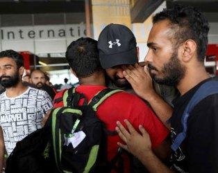 મેક્સિકોથી પાછા ફરનાર ભારતીયોમાં ગુજરાતીઓ, એરપોર્ટ પર ખૂબ રડ્યા, USની લાલસામાં બદતર સ્થિતિ
