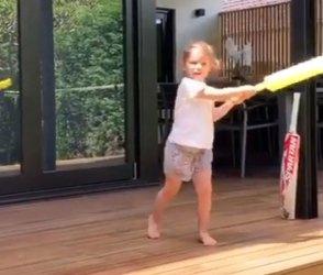 ઘાતક બેટ્સમેન ડેવિડ વાર્નરની દિકરી તેની નહીં પણ આ ભારતીય ખેલાડીની છે દિવાની, Video