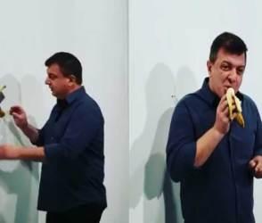 ભૂખ્યા આર્ટિસ્ટનો વીડિયો જોઈ બધા હચમચી ગયા! એક ઝાટકે 85 લાખ રૂપિયાનું કેળું ખાઈ ગયો