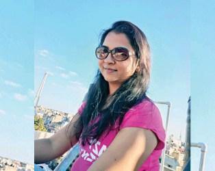 વ્હોટ્સએપ સ્ટેટ્સમાં સ્યુસાઈડ નોટ, હાથમાં ઠાકોરજીની મૂર્તિ રાખી પોરબંદરની યુવતીએ મારી મોતની છલાંગ