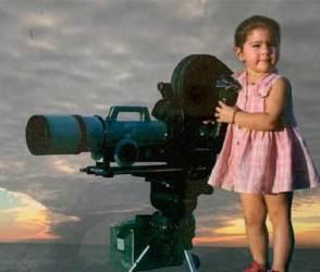 નાની હતી ત્યારે આ અભિનેત્રી આવી દેખાતી, PHOTOS જોઈનેે તમે પણ વિચારમાં પડી જશો!
