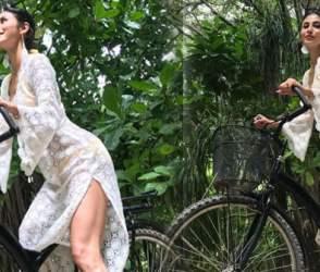 મૌની રોયે એવા કપકાં પહેરીને સાયકલ ચલાવી કે લોકોએ કરી ટ્રોલ, PHOTOS ધડાધડ વાયરલ