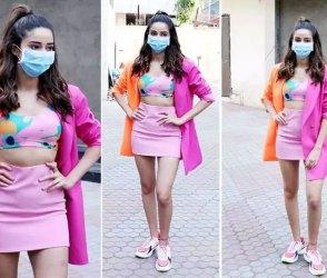 Photos: અનન્યા પાંડેએ ખુબજ શોર્ટ કપડા પહેરી આપ્યા આકર્ષક પોઝ, જોનારા જોતા જ રહ્યા