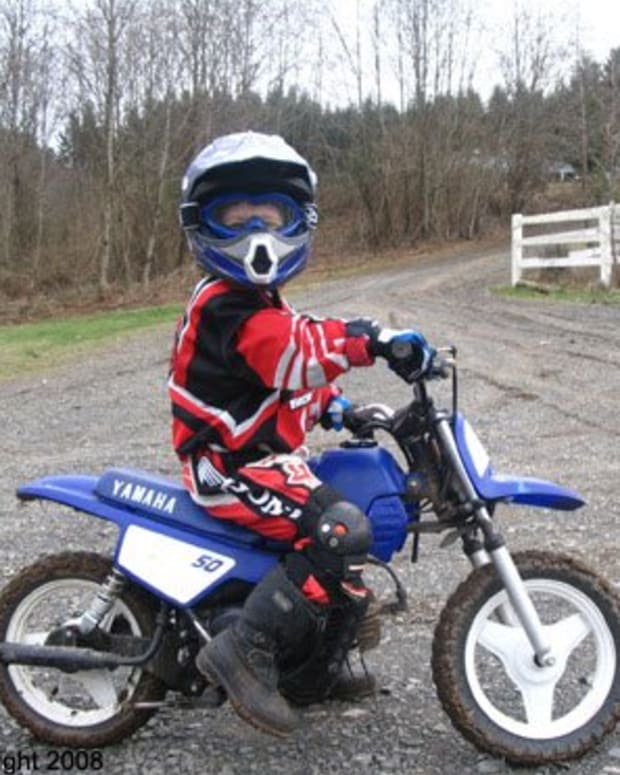 Pictures Of Dirt Bikes For Kids : pictures, bikes, Which, Motorcycle, Should, 7-Year-Old's, First, AxleAddict, Community, Lovers,, Enthusiasts,, Mechanics, Sharing, Advice