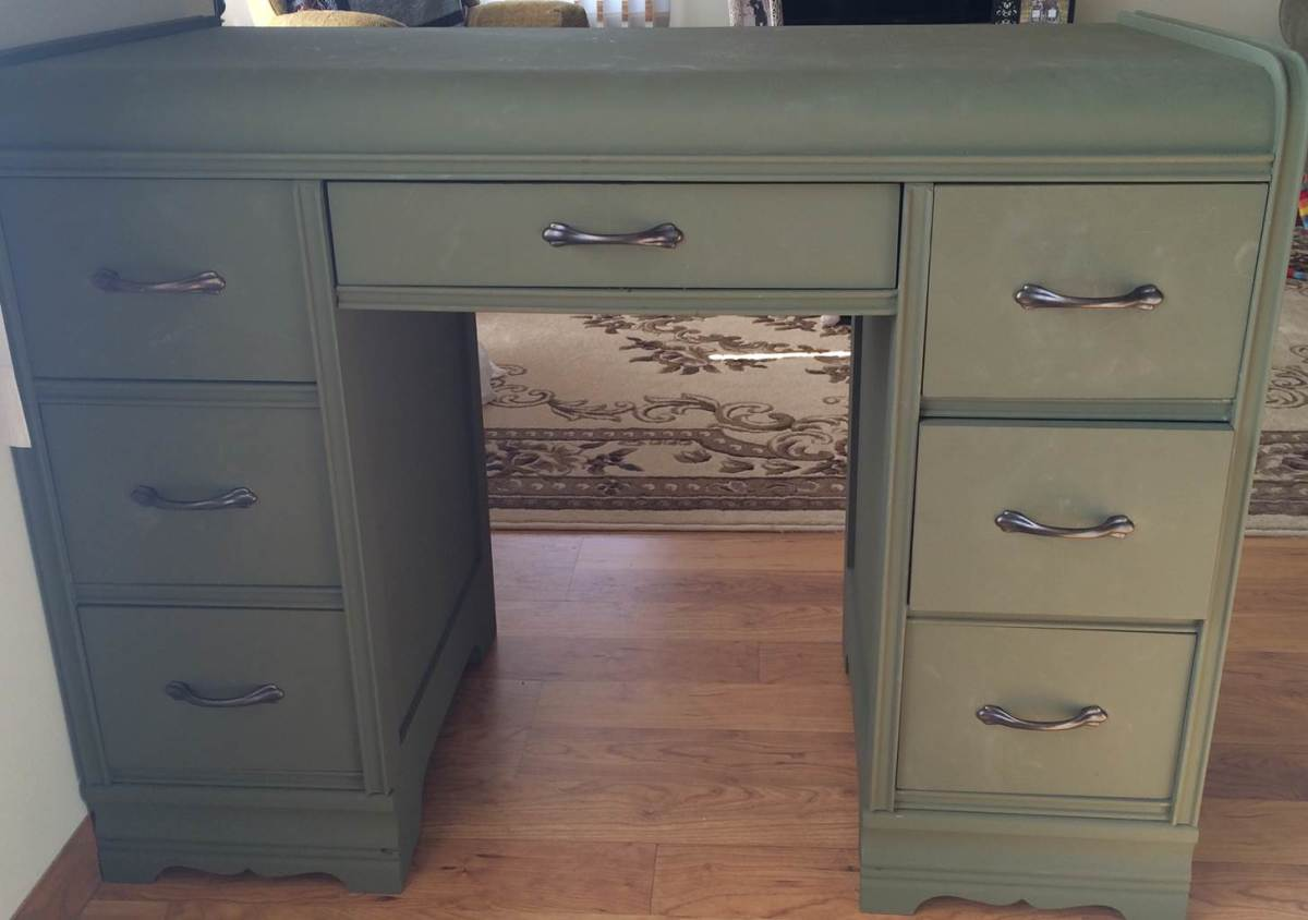 How To Use Chalk Paint To Renew Vintage Furniture Dengarden Home And Garden