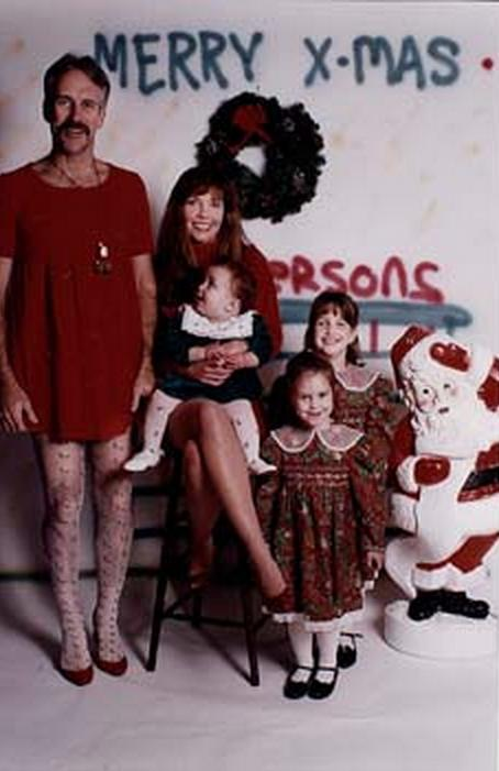 16 Bad Christmas Family Photos That Will Make You
