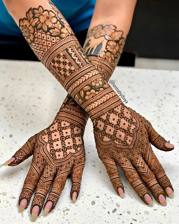So without mehndi wedding is incomplete for you. 30 Flaunt Worthy Back Hand Mehendi Designs Indian Brides Will Love Shaadisaga