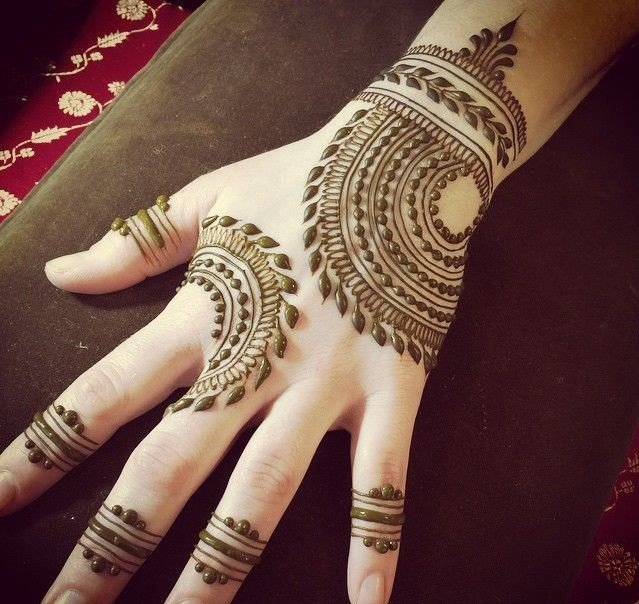 Simple Mehandi Design Images For Full Hands