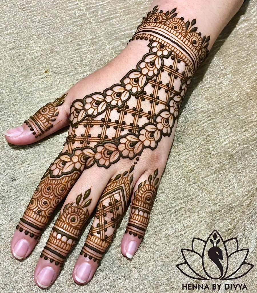Arabic Simple Back Hand Easy Mehndi Design