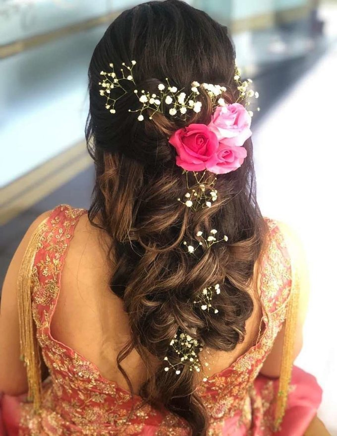 11+ best bridal hairstyles with roses for a glam bridal