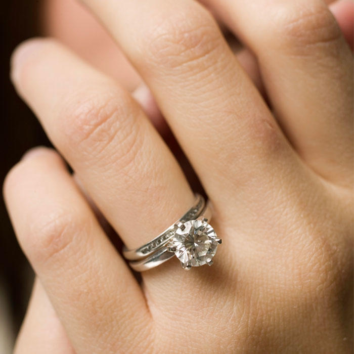 Hand Lifts for Ring Selfies Are Latest Engagement Trend