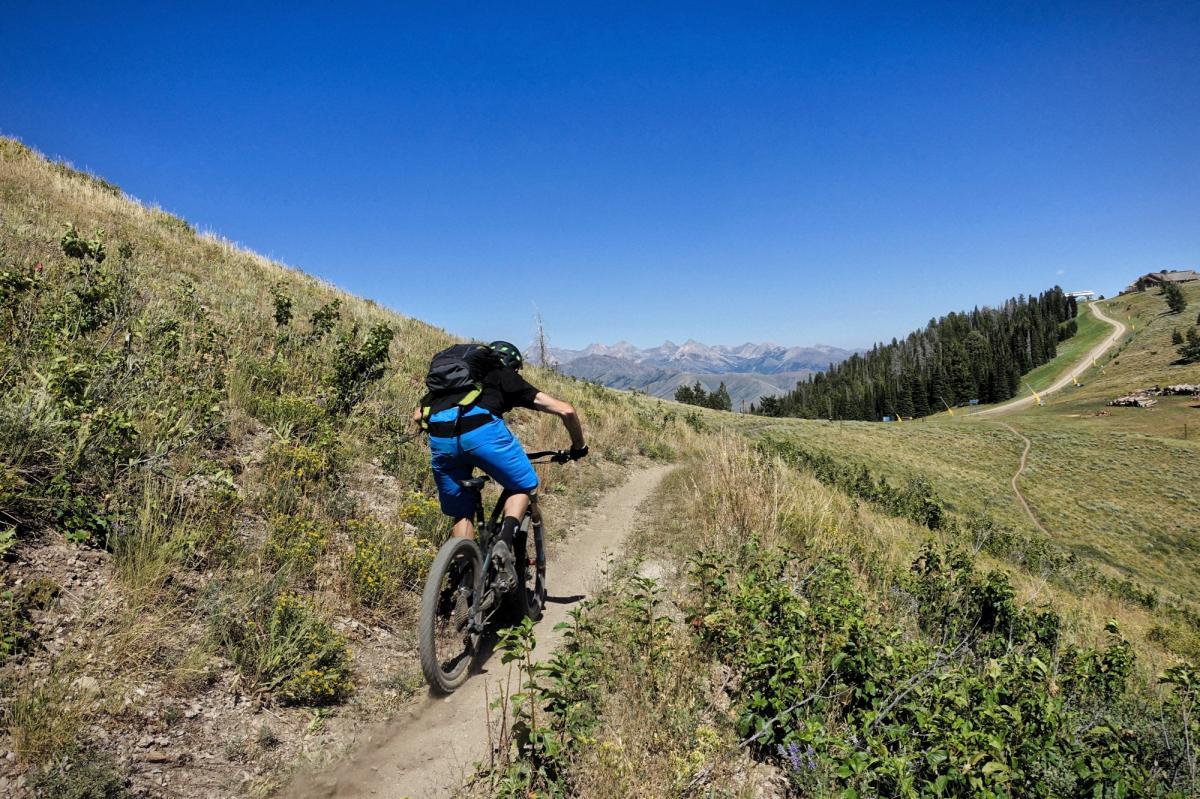 BroadWay trail Mountain Bike Trail in Ketchum. Idaho    SINGLETRACKS.COM