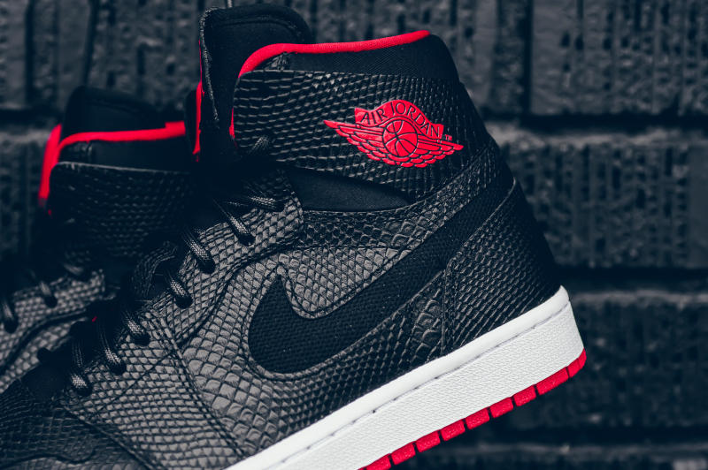 Snakeskin Jordan 1 Black Red (9)