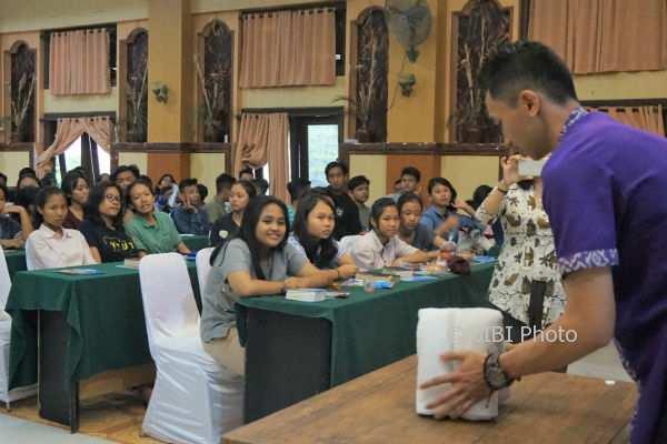 Satoria Hotel Yogyakarta Ajarkan Seni Melipat Handuk Pada