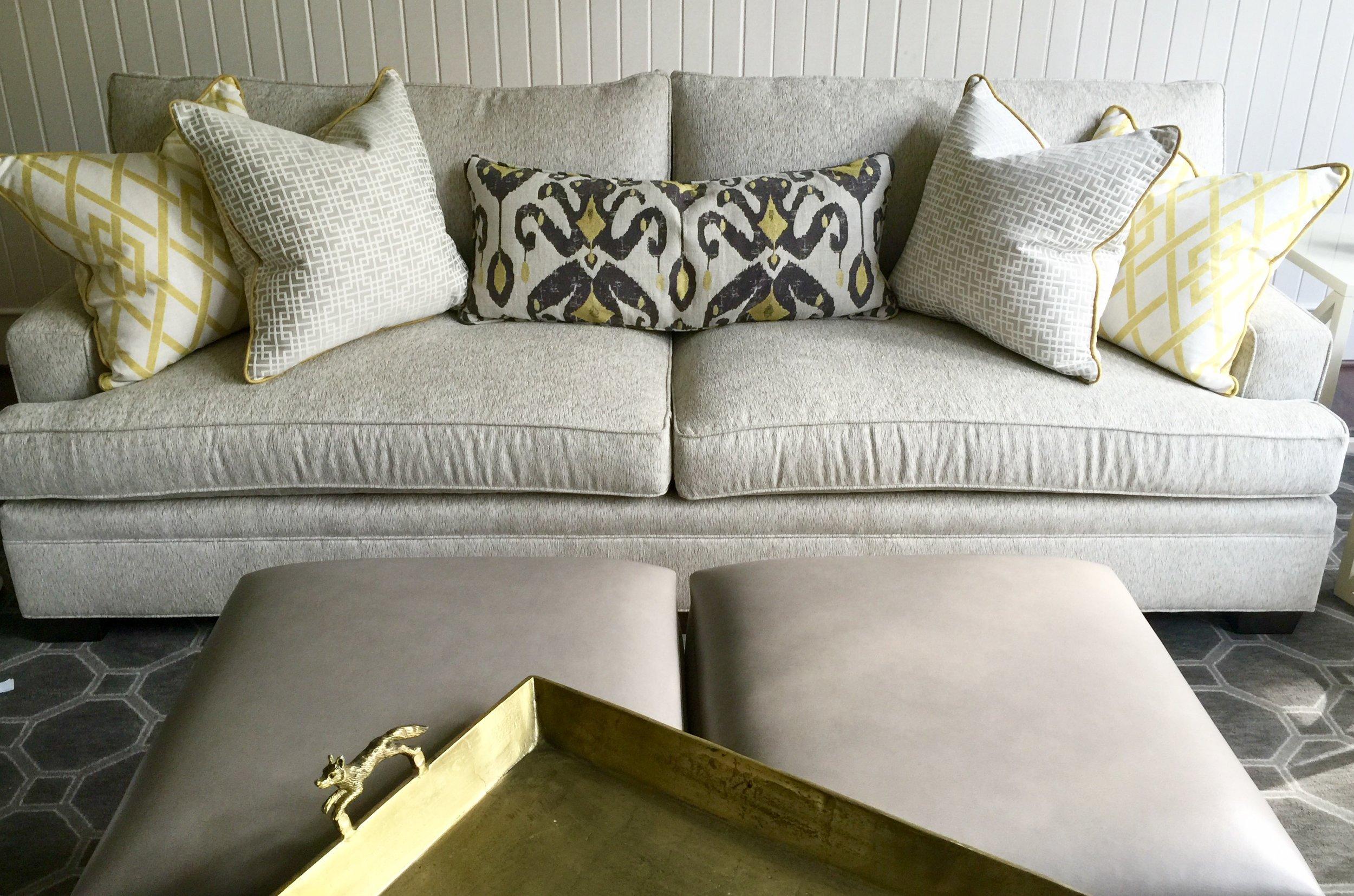 decorative throw pillows for