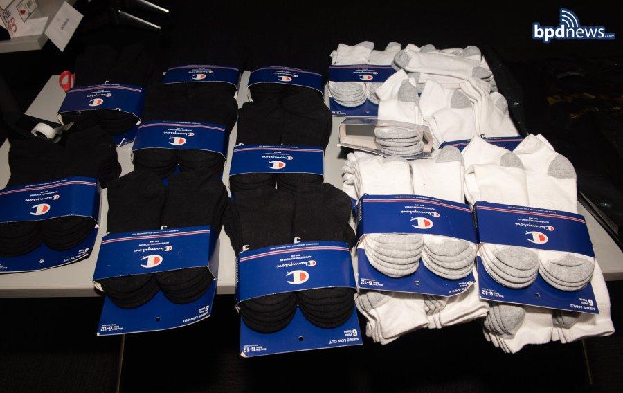 20201117_B-2 Snearkers donation_0001-3.jpg