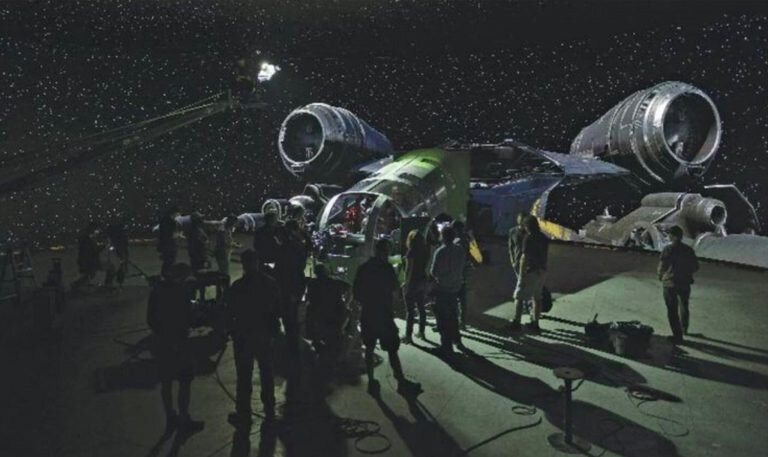awesome-set-photos-from-the-mandalorian-shows-off-how-the-new-stagecraft-filmmaking-tech-is-utilized5.jpg