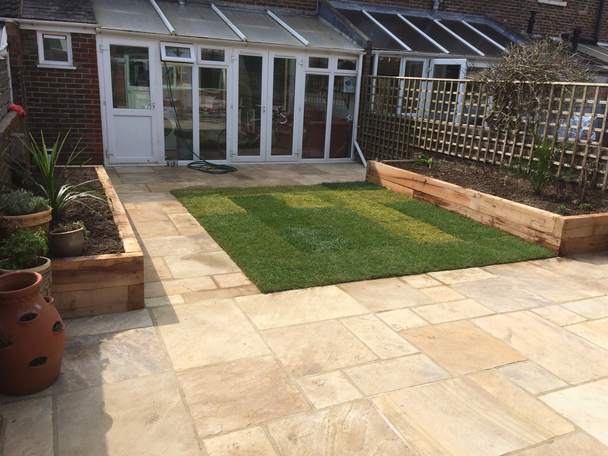 garden patio raised flower beds and