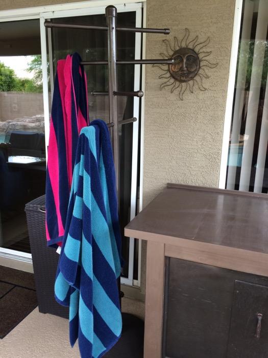 easy diy pvc poolside towel rack