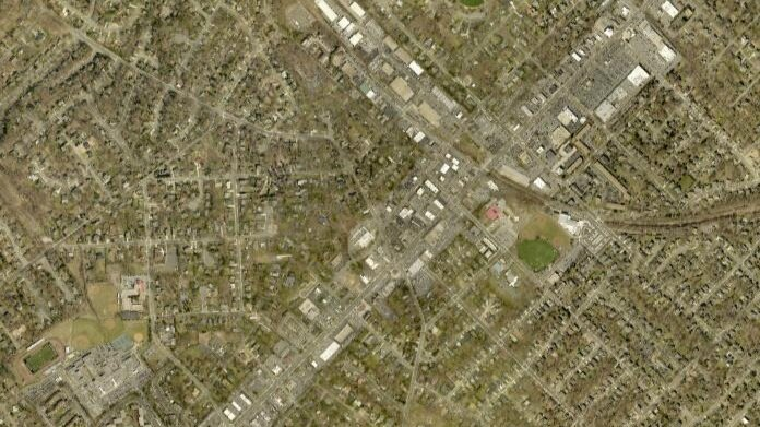 2019 aerial view of Maple Avenue corridor and surrounding homes. Image via Fairfax County Historical Imagery Viewer .