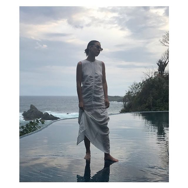 Our founder, Catherine wearing her favourite CQ Regio dress, her suitcase hero essential for her latest trip to Mexico. Made out of a lightweight silk/ linen blend, the dress embodies easy, understated elegance. Perfect for holiday dressing or city life.  Launching exclusively online on Monday, 9th of September at catherinequin.com #cqwomen #womeninquin #catherinequin #holidaydressing ##minimalism #sustainablewardrobe