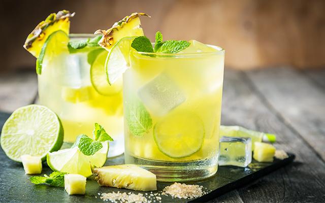 Ananas prăjit și lime