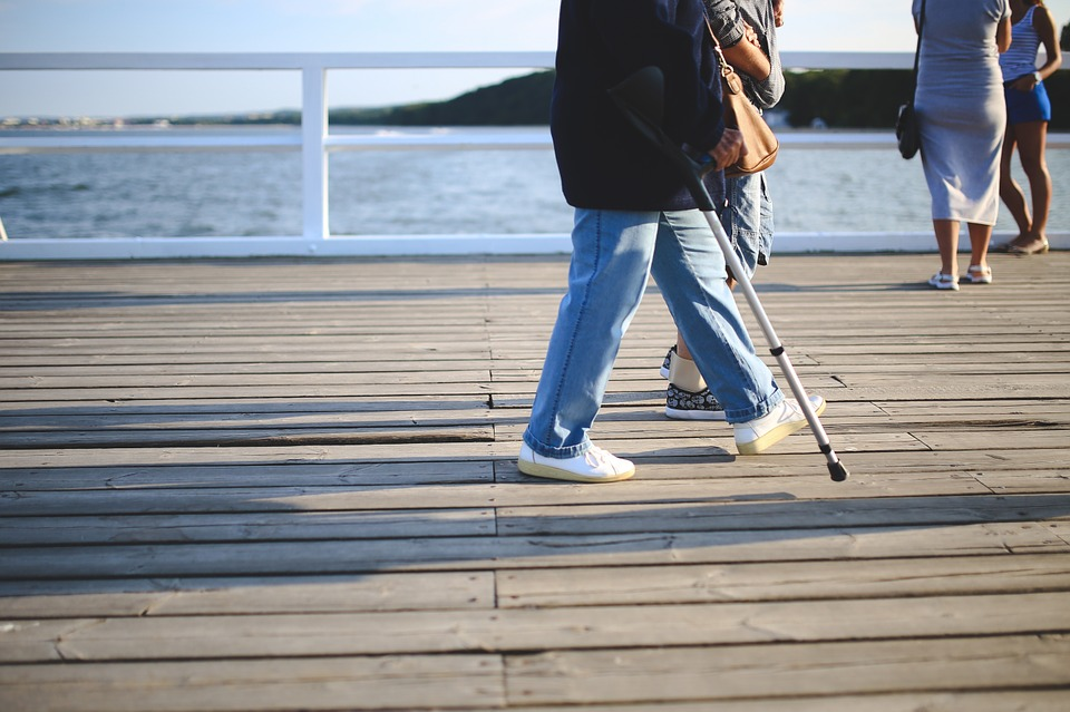 Finding time for just a 30 minute walk could help reduce telomere loss in elderly women