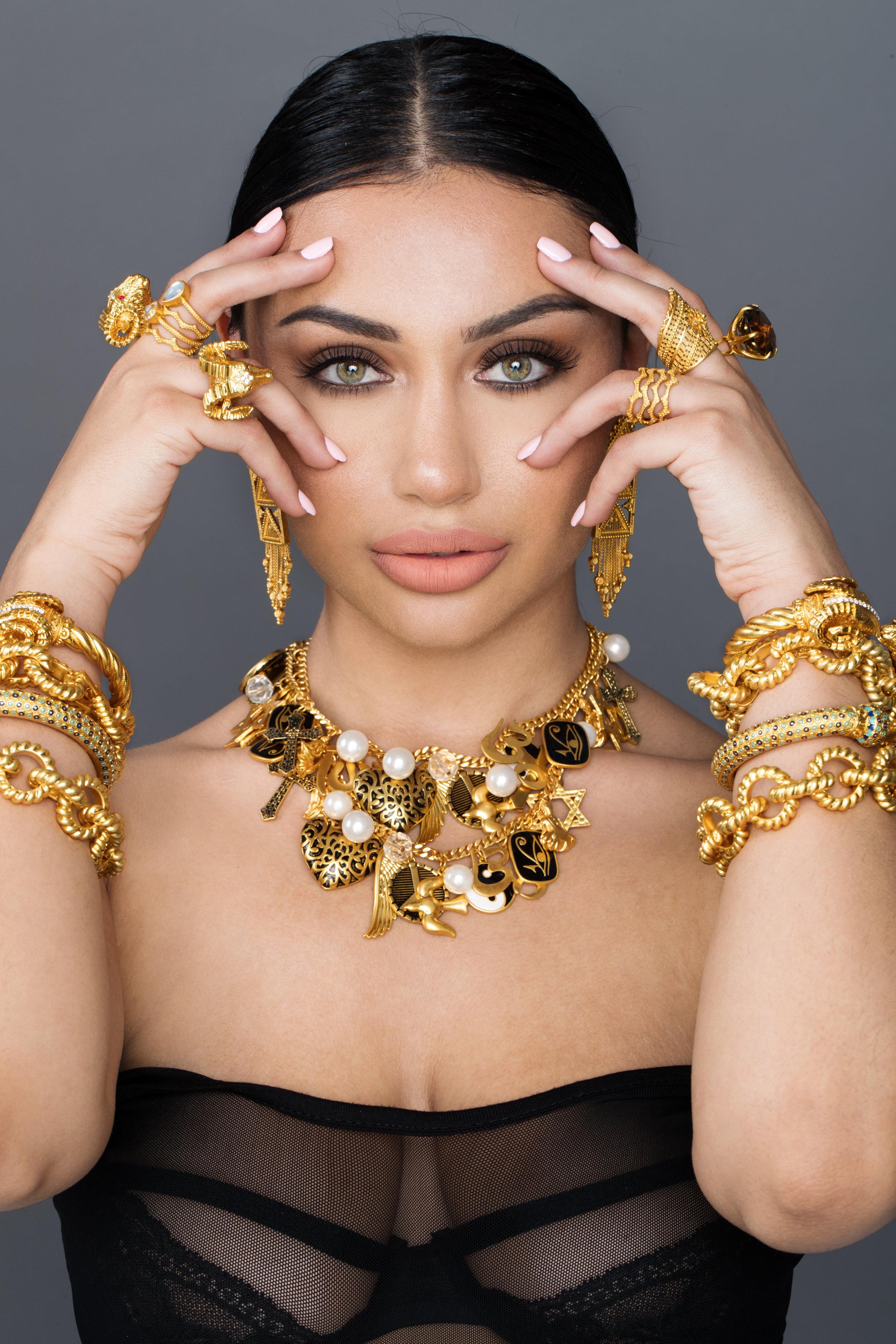 Jeweler On Shahs Of Sunset : jeweler, shahs, sunset, Kaftans