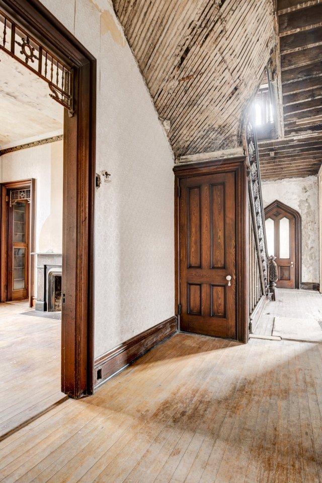 47 Interior Auburn NY Castle Home For Sale Auction Listings Real Estate Agent Broker Michael DeRosa .JPG
